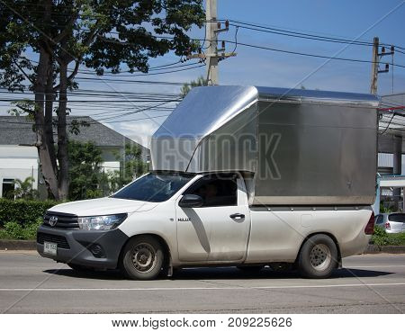 Private Pick Up Container Truck
