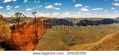 Hanging Rock and view over the Grose Valley in the Blue Mountains, Australia, seen from the Baltzer Lookout