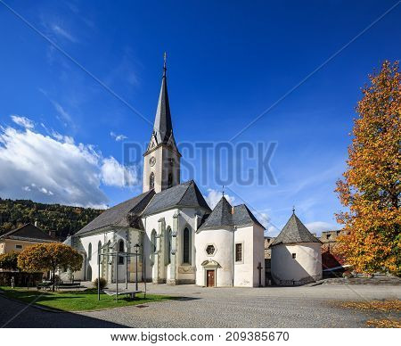 Hstorical center of Gmuend with the gothic parish church. Gmuend in Kaernten,  district of Spittal an der Drau, federal state of Carinthia,  Austria