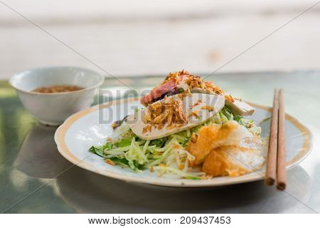 Vietnamese steamed rice paper meat meal , Banh cuon