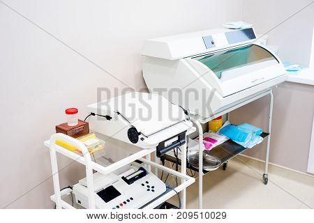 An image of a laboratory in a clinic