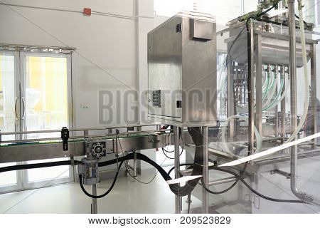 Pneumatic Pouring bottle Automatic filling machine industrial