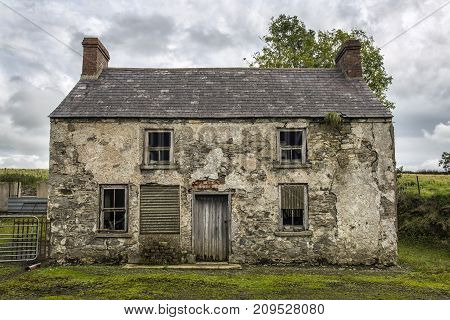 an old derelict farm house in ireland