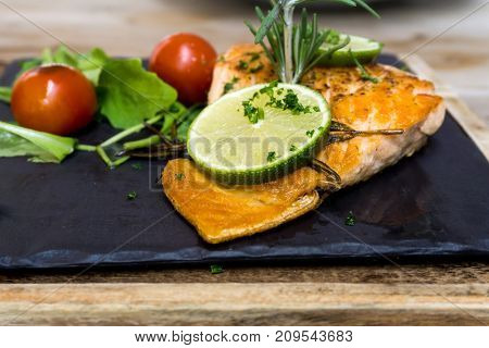 Grilled Salmon with fresh lettuce