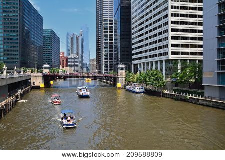 Chicago Water Taxi On The Chicago River In Downtown.