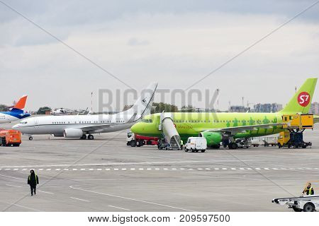 Rostov, Russia, 10-15-2017: Aircraft Are Serviced At The Parking Lot At The Airport.