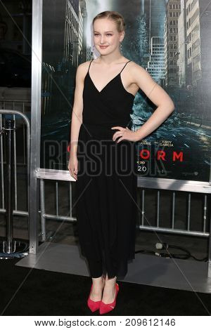 LOS ANGELES - OCT 16:  Emma Howard at the Geostorm Premiere at the TCL Chinese Theater IMAX on October 16, 2017 in Los Angeles, CA