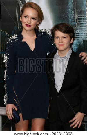 LOS ANGELES - OCT 16:  Talitha Bateman, Gariel Bateman at the Geostorm Premiere at the TCL Chinese Theater IMAX on October 16, 2017 in Los Angeles, CA