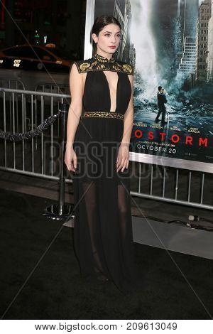LOS ANGELES - OCT 16:  Niki Koss at the Geostorm Premiere at the TCL Chinese Theater IMAX on October 16, 2017 in Los Angeles, CA