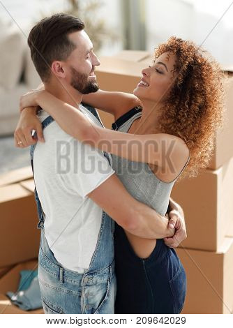 Portrait of a married couple when moving to a new house