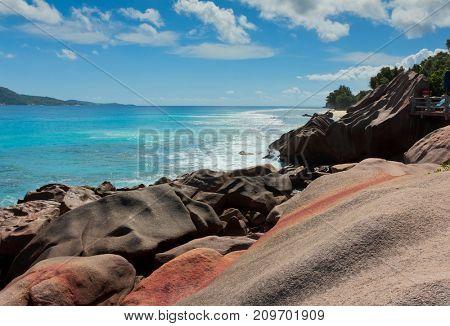 LaDigue Stones Sunlit Sea Foam