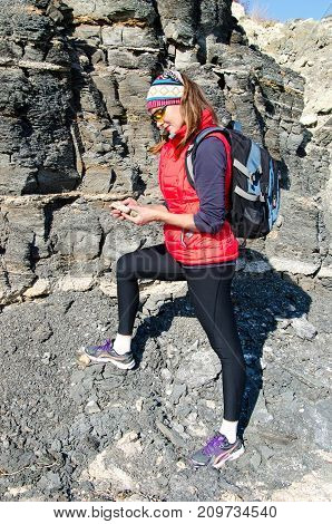 girl geologist and will follow a piece of soil
