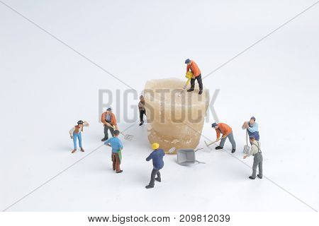 Min Workers With Ice Of The Nature.