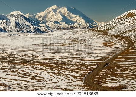 Mt.Denali, Mt. McKinley, the view from Eielson Visitors Centre in Denali National park, Alaska, US