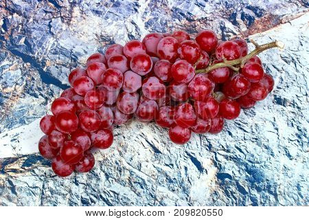 Red Seedless Grapes,the Red Grape Seeds And Galling.
