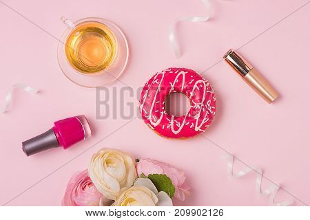 Sweet Fashion Lady Accessories Set. Top View.