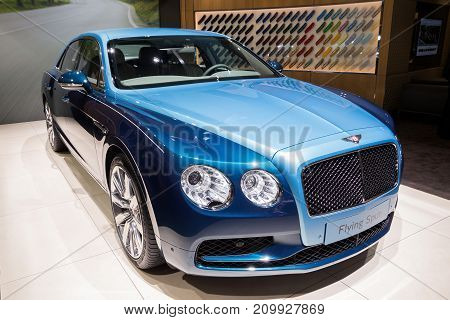 Bentley Flying Spur Luxury Car