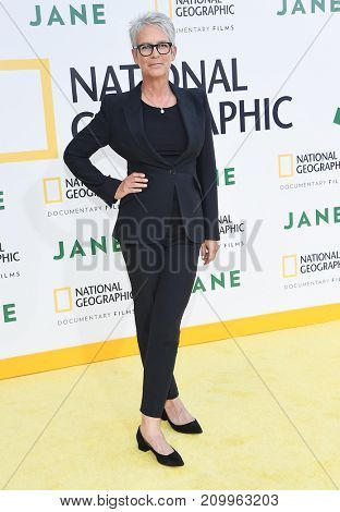 LOS ANGELES - OCT 09:  Jamie Lee Curtis arrives for the 'Jane' Los Angeles Premiere on October  9, 2017 in Hollywood, CA
