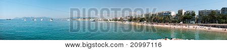 Sunshine beach and turquoise water in Cannes