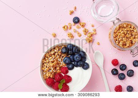 High Protein And Diet Breakfast. Homemade Granola Crisp With Raspberry, Blueberry And Greek Yogurt.