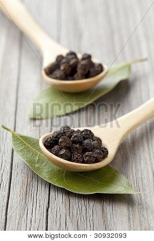 Black Pepper And Laurel