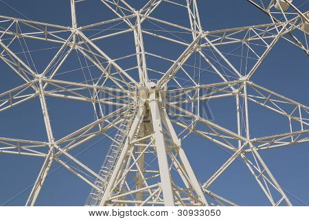 ferris-wheel-middle-structure