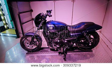 Las Vegas,nv/usa - Oct 09,2017 : Captain America (played By Actor Chris Evans) Motorbike On Display