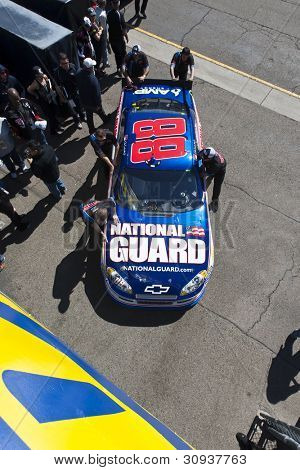 Avondale, Az - Mar 03, 2012:  The Nascar Sprint Cup Series Teams Bring Their Cars Out To Qualify For