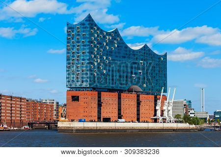 Hamburg, Germany - July 07, 2018: Elbe Philharmonic Or Elbphilharmonie Is A Concert Hall In The Hafe