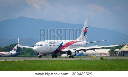 Kota Kinabalu,sabah,malaysia-july 2,2019:view Of Malaysia Airlines Boeing 737-800 Aircraft At Kota K