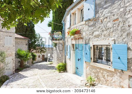 Rovinj, Istria, Croatia, Europe - Picturesque Alleyway Of The Middle Ages