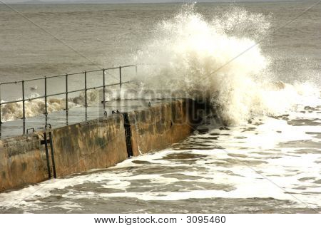 Wave Hits Balintore Pier