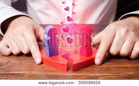 Psychological Conciliating And Improving Of Relations Between Spouses. Psychologist Connects Two Fig