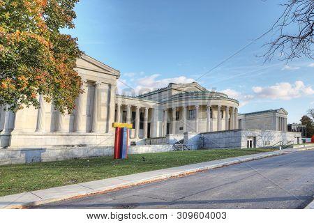 Buffalo, New York/united States- November 3: The Albright-knox Art Gallery, Buffalo, New York. Opene