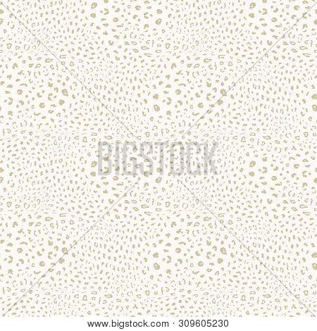 Golden Leopard Print Pattern. Vector Seamless Background. Subtle Animal Skin Texture Of Jaguar, Leop