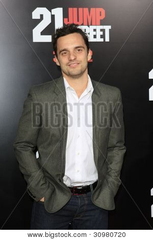 LOS ANGELES - MAR 13:  Jake Johnson arrives at the