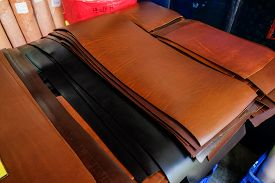 Genuine Raw Vegetable Tanned Leather In Leather Store