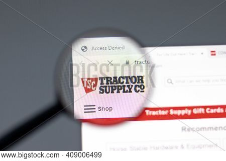 New York, Usa - 15 February 2021: Tractor Supply Company Website In Browser With Company Logo, Illus