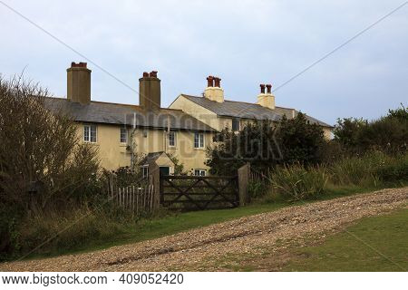 Sussex (england), Uk - August 23, 2015: Houses Near Seven Sisters Area Cliffs, England, United Kingd