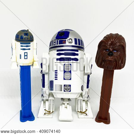 West Islip, New York, Usa - 2 February 2021: Star Wars Pez Containers And Toy Action Figures With A