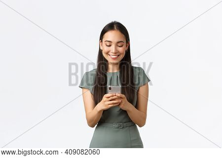 Small Business Owners, Women Entrepreneurs Concept. Smiling Young Female Running Startup In Internet
