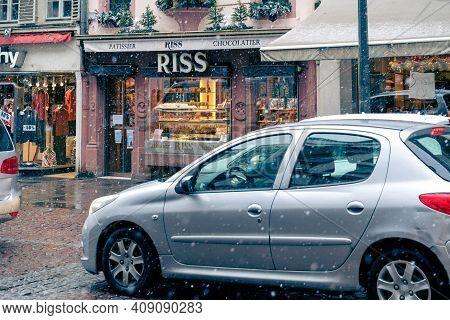 Strasbourg, France - Jan 14, 2021: Central Pedestrians Shopping Street In Strasbourg With Riss Choco
