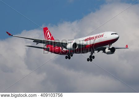 Istanbul, Turkey - March 28, 2019: Atlasglobal Airbus A330-200 Tc-agl Passenger Plane Landing At Ist