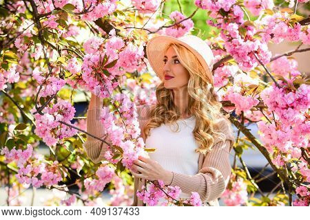 Confident Gardener. Natural Beauty And Cosmetics. Female Flower Perfume. Beauty Of Spring Nature. At