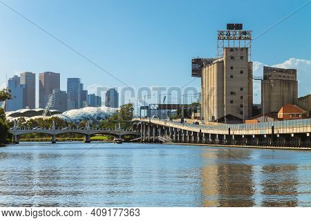 January 1, 2019: The Nylex Clock By The Yarra River In Melbourne, Victoria, Australia. It Is Heritag