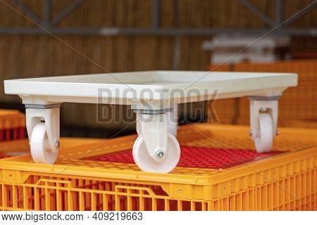 White Plastic Dolly Cart For Transport Delivery