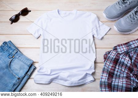 Men's T-shirt Mockup With Gray Running Shoes, Sunglasses