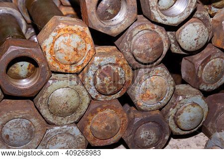 Old Rusty Bolt And Nut, Pile Of Bolts, Pile Of Rusty Bolts