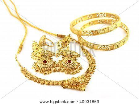 Wedding jewelry of Indian subcontitent