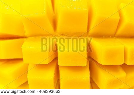 Close Up Rip Mango Slice Cubes Cut